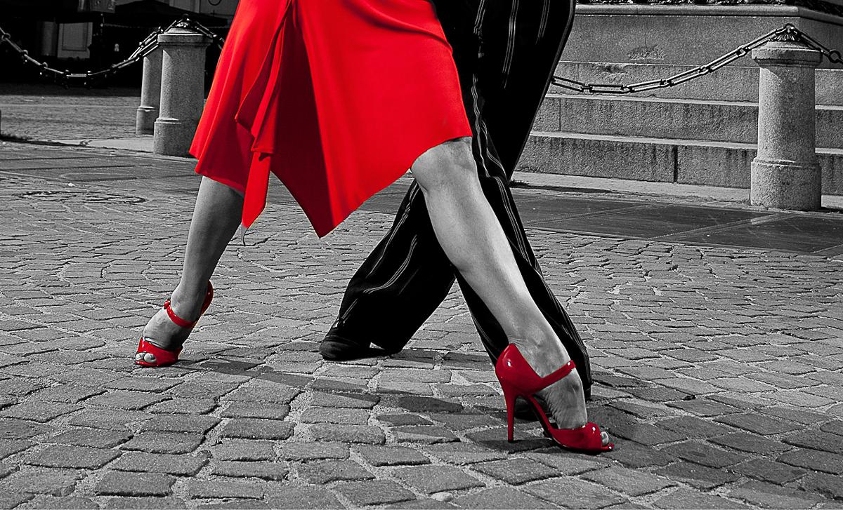 Casa de tango teatro le serre grugliasco torino italy for Casa di 8000 piedi quadrati